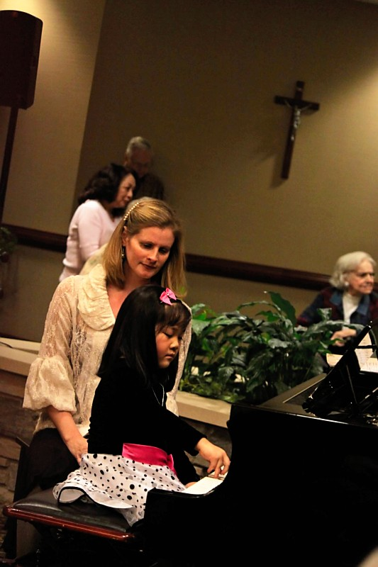 rachel-performing-at-christmas-recital-2